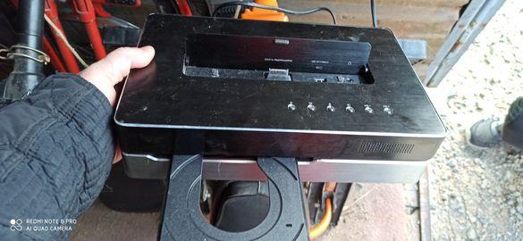 Уникално DVD с USB , айпод , мемори карта
