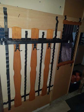 Cuier din fier forjat si lemn de vinzare