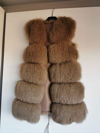 Vesta din blana de vulpe polara