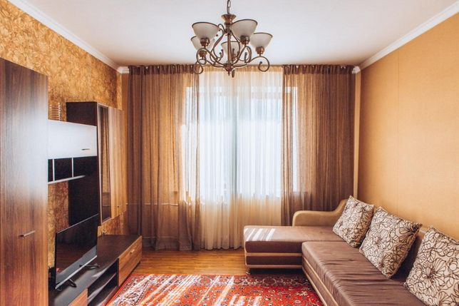 Посуточно 1 комнатная квартира рядом с Атакентом.