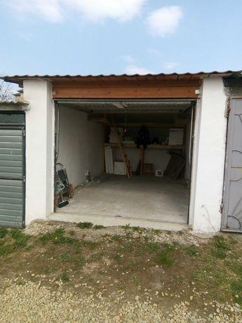 garaj in Sânmartin