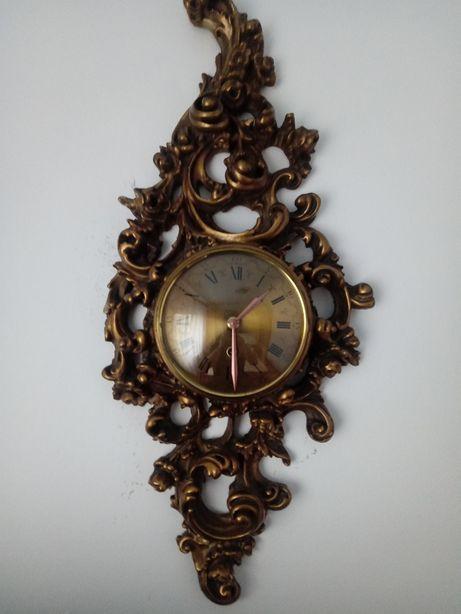 Ceas vechi de perete stil Baroc cu foita de aur