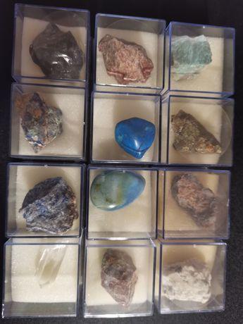 Pietre colecție in cutiuțe din plastic 12 bucăți și încă 40  vrac