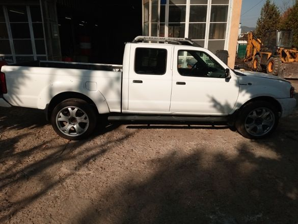 продавам nissan frontier 3.3 v6 supercharged
