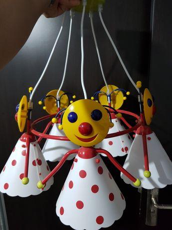 Lustra pentru camera copilului.