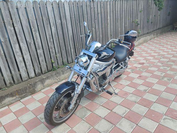 Motocicleta Hoysung Aquila GV650