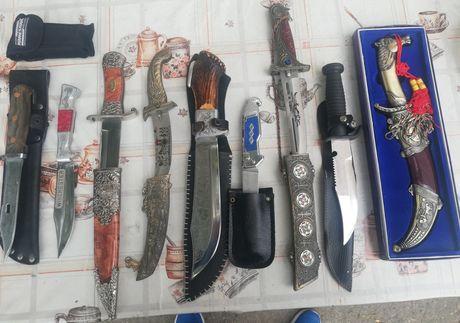 Set  10 cuțite de vânătoare