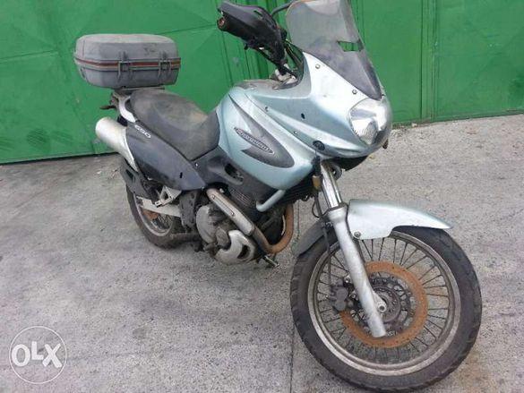 Мотоциклет Сузуки Фриуинд(фривинд) (Suzuki Freewind ) 650- на части!