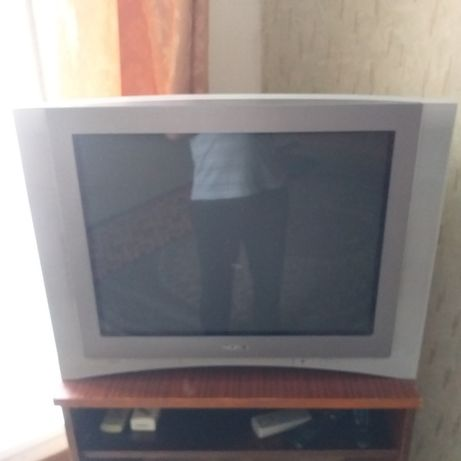 Продам телевизор sony.