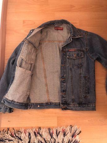 Дамско дънкено яке , тениска с апликация
