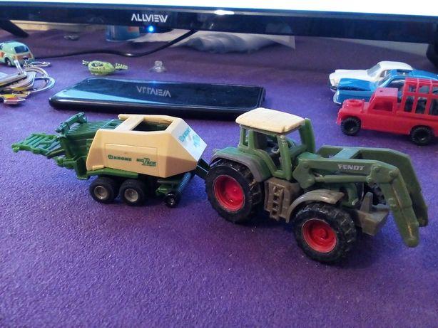 Macheta SIKU 0858 Fendt Favorit 926 Vario tracteur si SIKU 1628 Krone