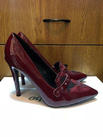 Pantofi, mărimea 38