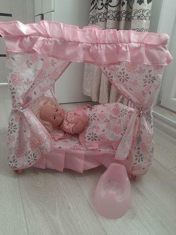 Продам кровать и куклу отличный подарок ребенку к новому году