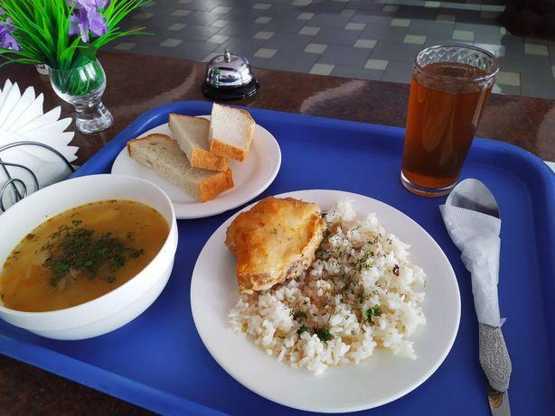 Комплексные обеды от 700 тенге.