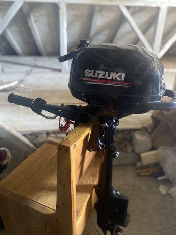 Motor suzuki 2.5 cp