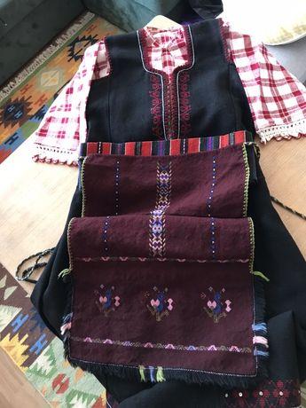 Автентична народна носия