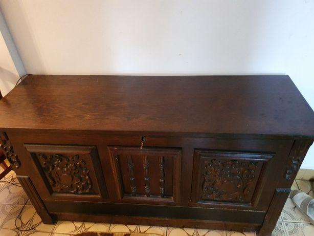 Vand mobilier dormitor lemn masiv