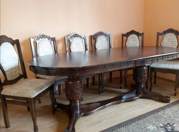 Продам стол стульями в хорошем состоянии