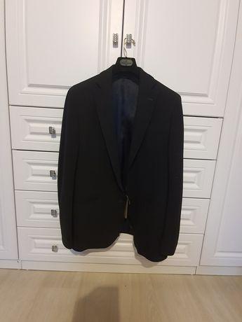 Пиджак чёрный размер 52 Massimo dutti