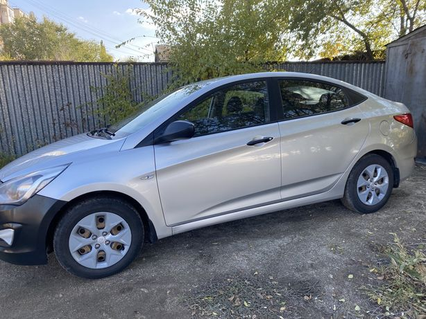 Продам Hyundai Solaris 2015