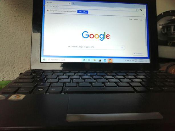 Vând mini laptop