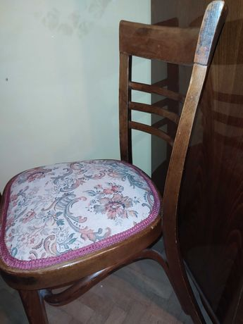 4 Scaune vintage de sufragerie 400 lei