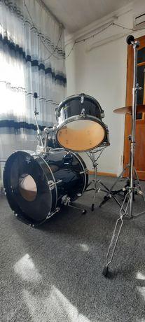 Продам барабанную установку !