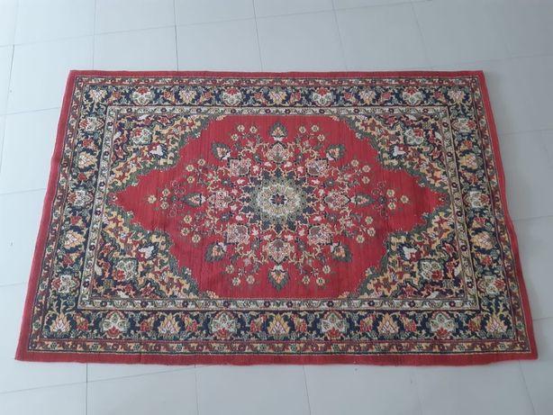 Ковёр с восточным орнаментом. Производство Узбекистан размер 2*3м