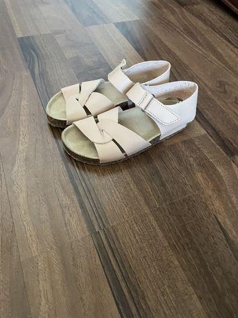 Обувь zara розовые, новые. 25 р