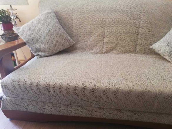 Качествен диван от масив с опция за сън