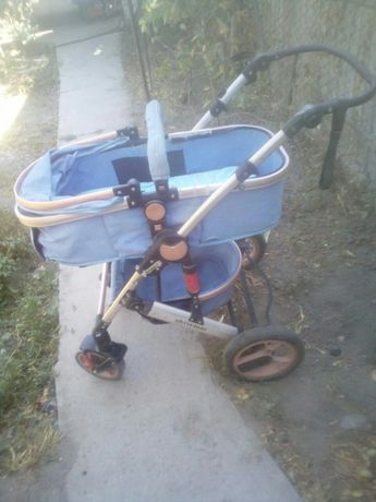 Детские коляски,и к ней рюкзак,(кингурятник).