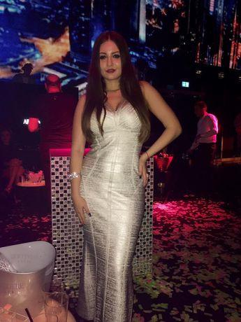 Vând rochie Bandaj argintie lunga