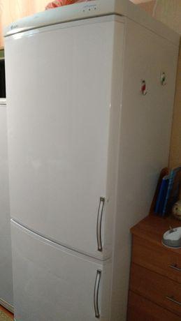 Продам большой холодильник Ardo