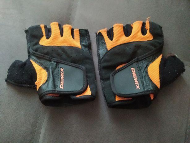 Перчатки для занятия спортом