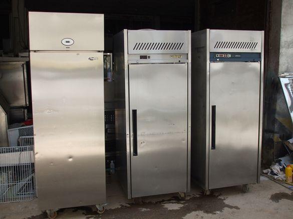 1.Хладилни шкафове вертикални плю-сови или ми-носови за съхранение на
