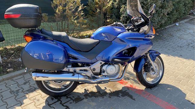 Honda Deauville NT650 2003 (moto touring transmisie cardan)