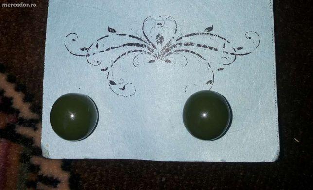 Cercei vintage bobite verde inchis