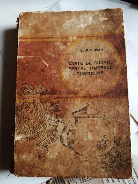 Vând carte veche de bucate