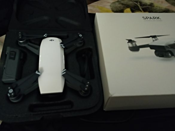Dji spark controller combo дрон