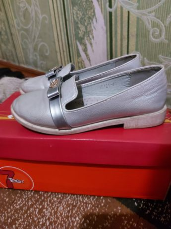 Туфли для девочек 28р