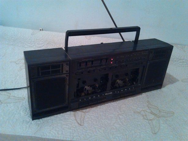 Vand RADIO-CASETOFON VECHI in stare buna la 70 lei negoceabil.