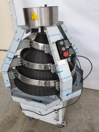 Продавам нов професионален тефлониран тестоокръглител от 0,050кг.0,350
