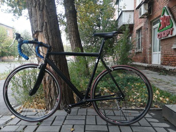 Продаётся шоссейный велосипед