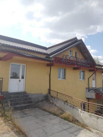Casa de vânzare/ inchiriat