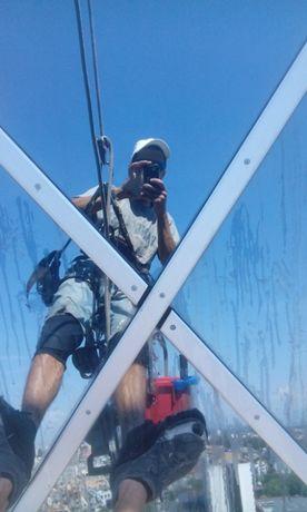 Алпинист - Почистване, монтаж демонтаж на трудно достъпни места - алпи