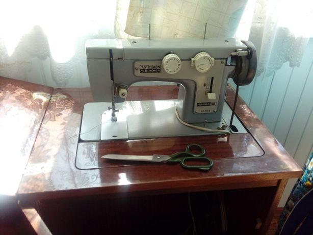 """Швейная машинка """"Чайка III"""" КЛ.116-2 (с электроприводом)"""