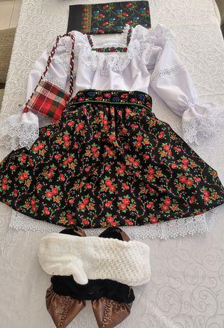 Costum popular complet pentru fete de Maramures