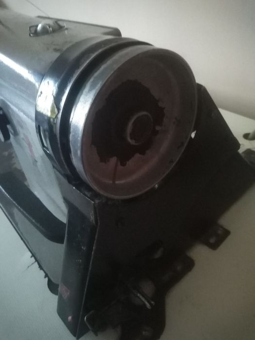 Mașină de cusut industrială Brasov - imagine 1