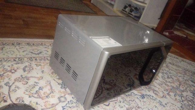 Продаеться  микроволновая печь  SAMSUNG в  отличном состоянии.-