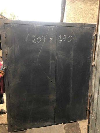 Дверь железная 207*170
